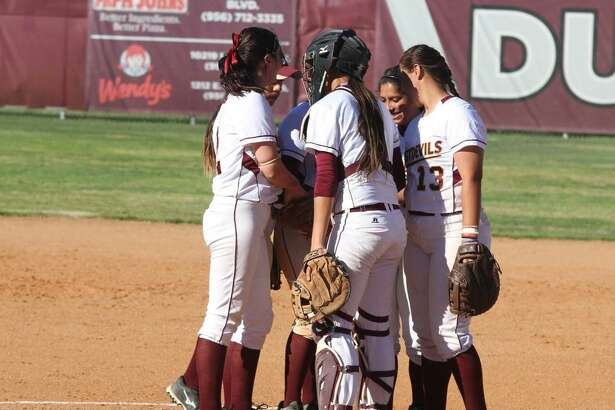 The TAMIU softball team was swept in a doubleheader at home Tuesday against Kingsville losing 6-4 and 4-1 to fall to 5-11 this year.