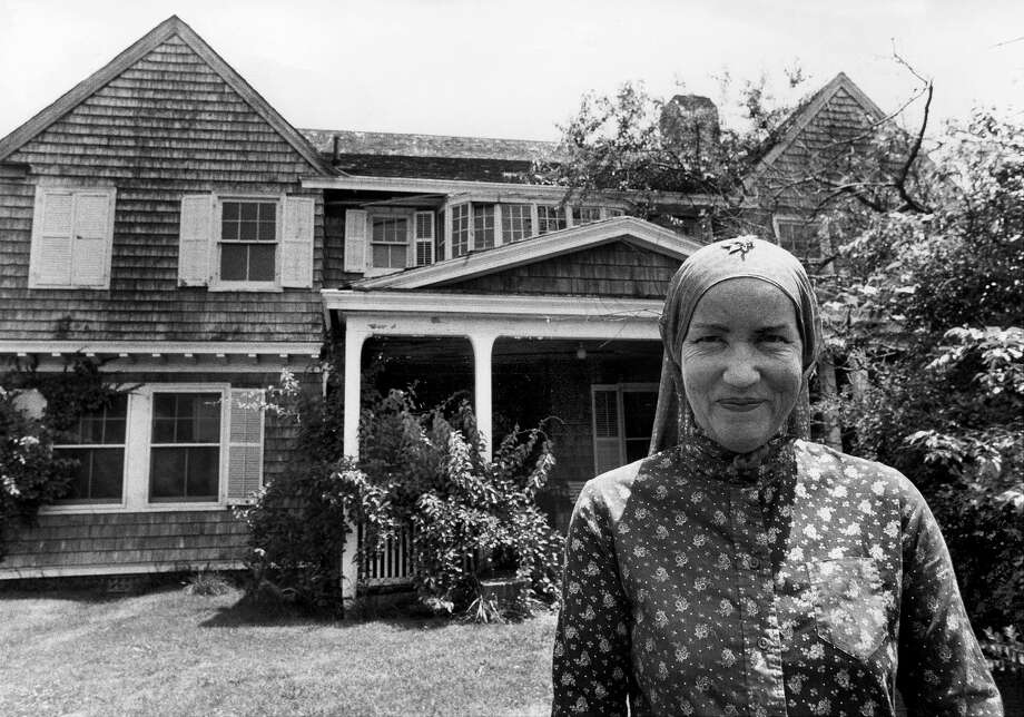 Edith Bouvier Beale at West End Road in East Hampton, L.I. Photo: New York Daily News Archive/NY Daily News Via Getty Images