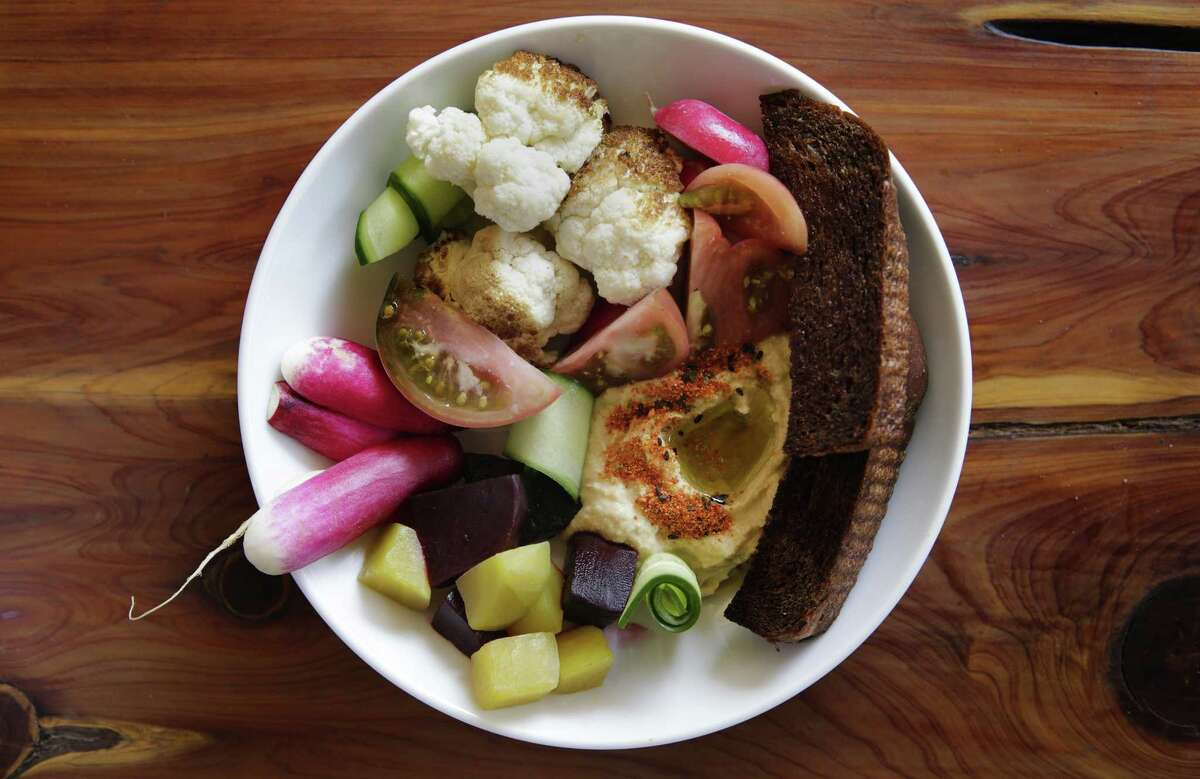 Crudités with hummus and daily bread at Alchemy Kombucha and Culture