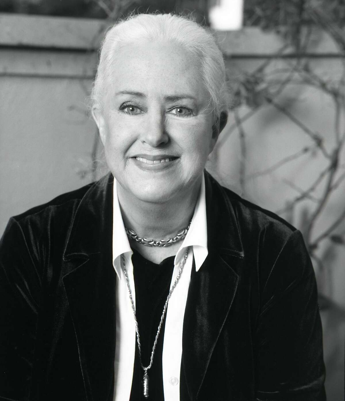 Grace Slick, the former singer of Jefferson Airplane, has found a second career in fine art.