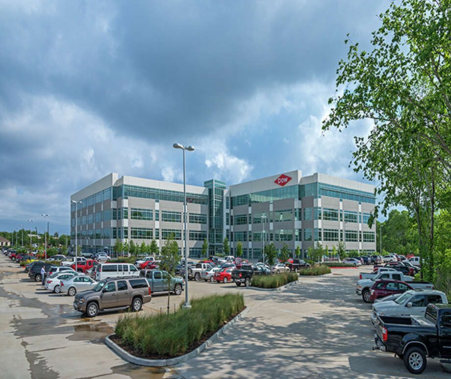 Cole Corporate Income Trust II has purchased the Dow Administration Building, a 230,000-square-foot building at 322 Texas 322 in Lake Jackson. The Dow Chemical Co. leases the building, which was completed in 2015. HFF represented the seller, CORE Real Estate. Photo: HFF
