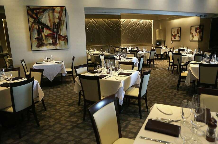 The interior at J Prime Steakhouse Photo: Bob Owen /San Antonio Express-News / © 2015 San Antonio Express-News