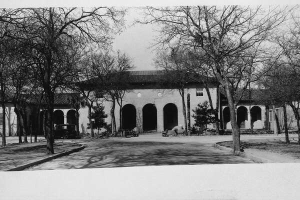SA's first museum, the Witte Museum, opened in 1926. Note the arches, which are echoed in the new Witte facade and in the Quillen arch inside.