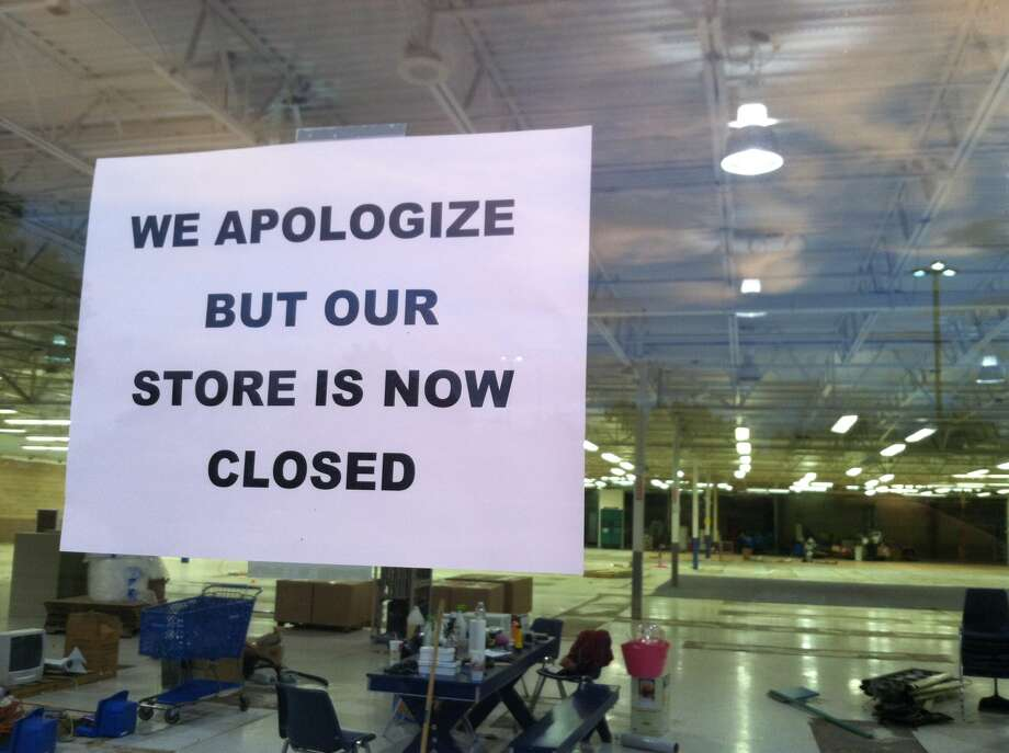 Retailers live and die just like people. Here's a little walk through the retail graveyard.