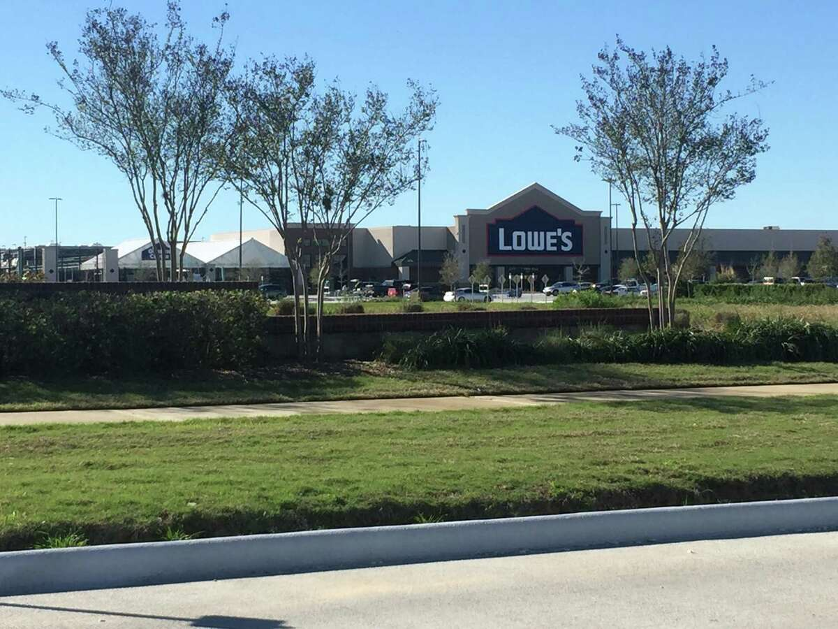 Lowe's opened a 100,000-square-foot store in January in The Shoppes at Cinco Ranch, a new development on 35 acres at Spring Green Boulevard and FM 1093 in Katy. Other tenants in the center so far include Walgreens, Iron Tribe Fitness, Great Clips, Nails of America, Salata, Super Yummy Mongolian Stir-Fry and Sushi, and Bambu.