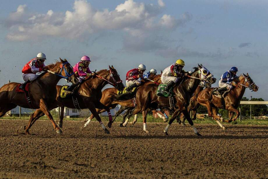 A Miami jury on Wednesday found Christopher J. Hall, the former chairman of a company that used to operate Retama Park in Selma, violated securities laws. Photo: Ray Whitehouse /Express-News File Photo / 2015 San Antonio Express-News