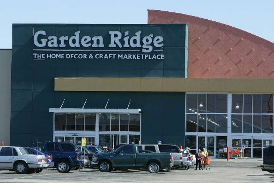 Retail graveyard houston chronicle for Garden ridge pottery houston tx