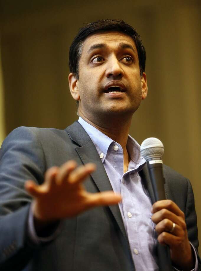 US Rep. Ro Khanna speaks while holding a town hall meeting at Ohlone College in Fremont, Calif., on Wednesday, February 22, 2017. Photo: Scott Strazzante, The Chronicle