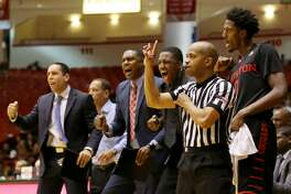 University of Houston basketball team cheers for their player during the second half of the game Wednesday, Feb. 22, 2017, in Houston. Houston Cougars beat the Connecticut Huskies 75-70. ( Yi-Chin Lee / Houston Chronicle )