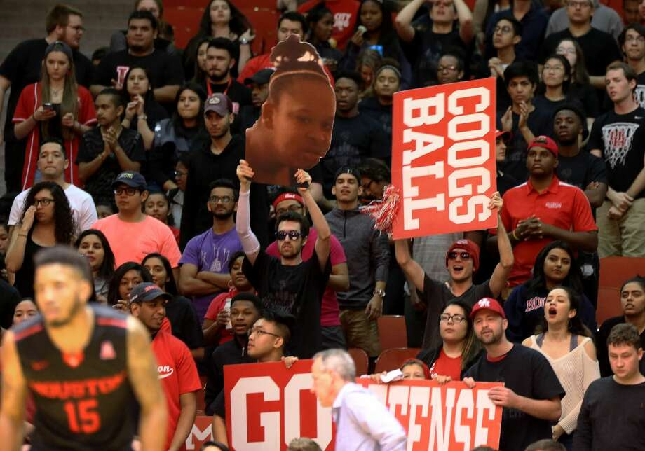 University of Houston fans cheer for their team leading the game during the second half of the game Wednesday, Feb. 22, 2017, in Houston. Houston Cougars beat the Connecticut Huskies 75-70. ( Yi-Chin Lee / Houston Chronicle ) Photo: Yi-Chin Lee/Houston Chronicle