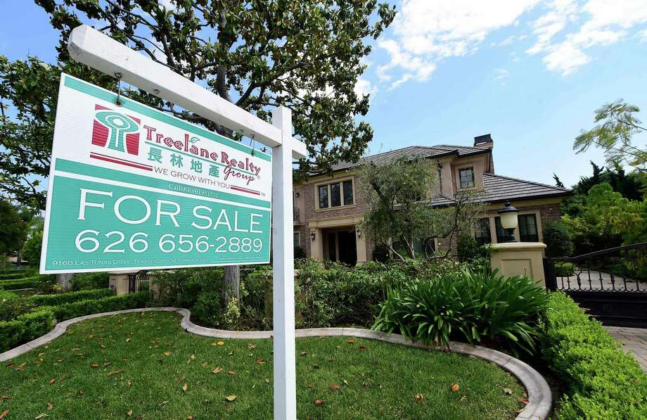 According to the latest data from Freddie Mac, the 30-year fixed-rate average inched up to 4.16 percent. It was 4.15 percent a week ago and 3.62 percent a year ago. The 15-year fixed-rate average rose to 3.37 percent, up from 3.35 percent a week ago and 2.93 percent a year ago. Photo: AFP /Getty Images /File Photo / AFP or licensors