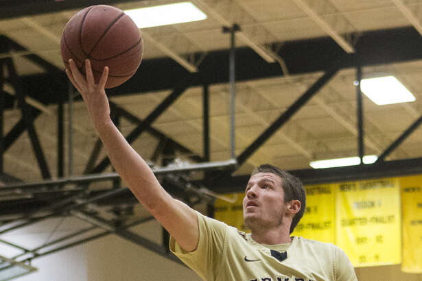 Temple College's J.R. Adams, a Cinco Ranch graduate, is leading the national junior college ranks in steals after getting no attention from Division I schools.