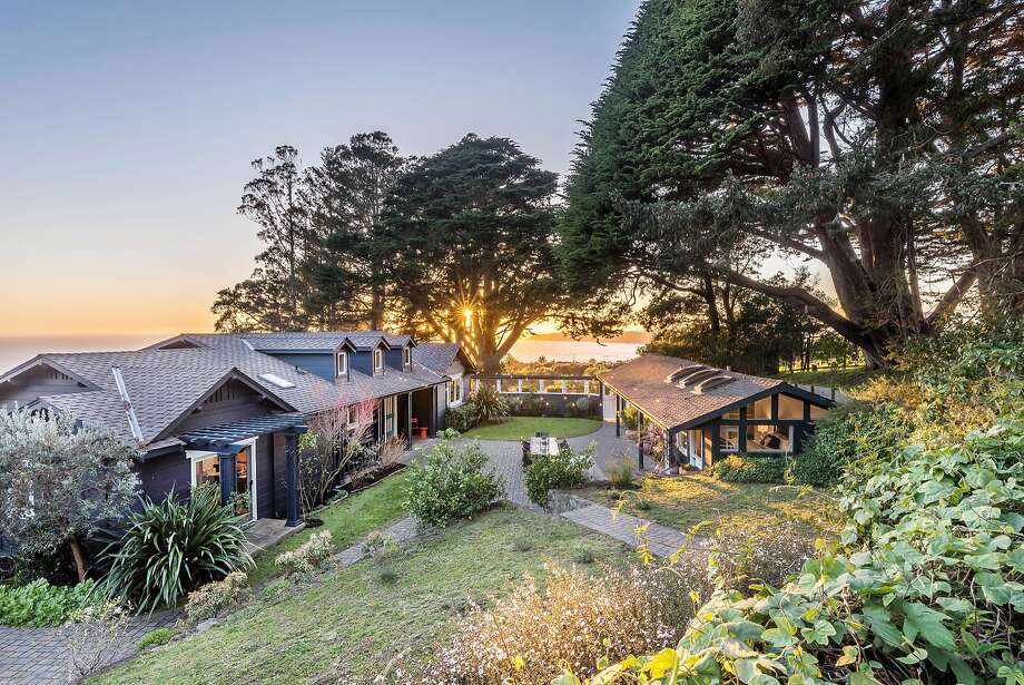 The stylish view home at 18 Aveninda Farralone in Stinson Beach sits on a 1.1-acre lot. Photo: Brian McCloud Photography�