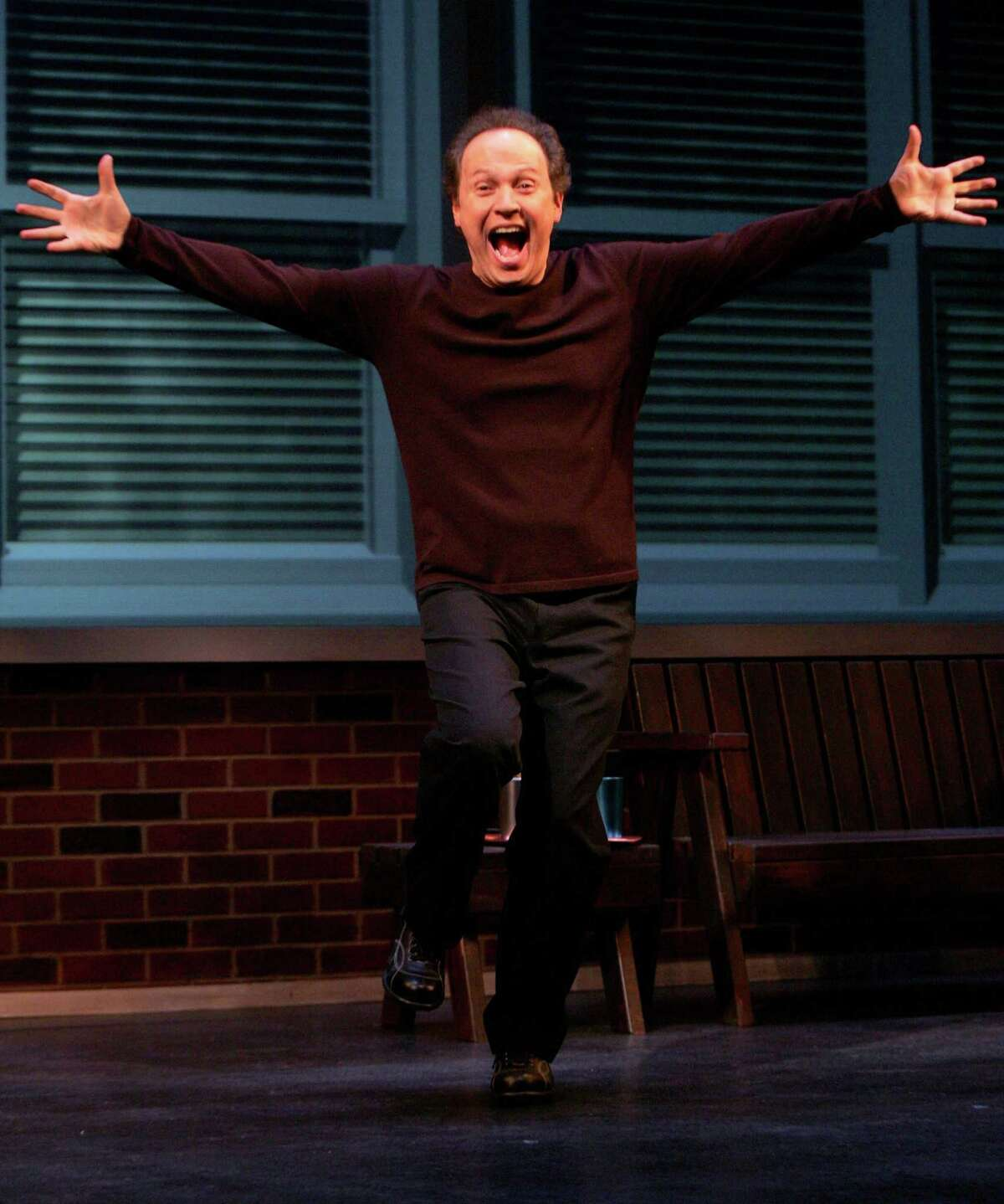 """(NYT34) NEW YORK -- Dec. 5, 2004 -- SUNDAYS-THEATER-REVIEW -- Billy Crystal in his one-man show """"700 Sundays"""" at the Broadhurst Theater in Manhatan, Nov. 9, 2004. (Sara Krulwich/The New York Times)"""