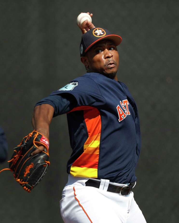 As the Astros' primary lefty reliever, Tony Sipp saw his ERA go from 1.99 in 2015 to 4.95 last year. Photo: Karen Warren, Staff Photographer / 2017 Houston Chronicle