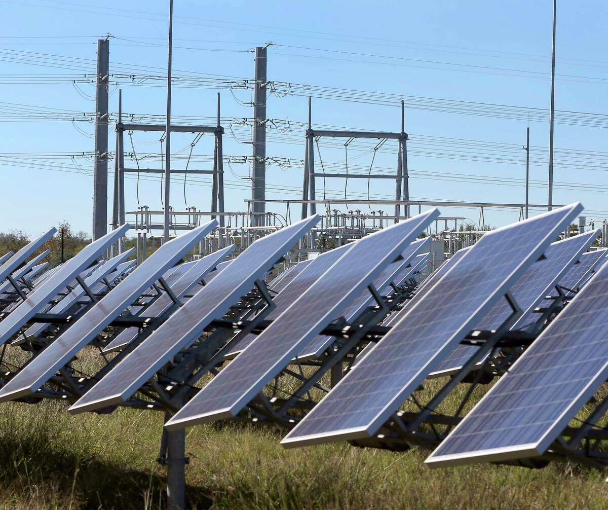 San Antonio now ranks No. 5 in the nation for solar energy capacity, according to a new report.