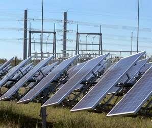 Solar power installations fall across U S , Texas in 2017 as