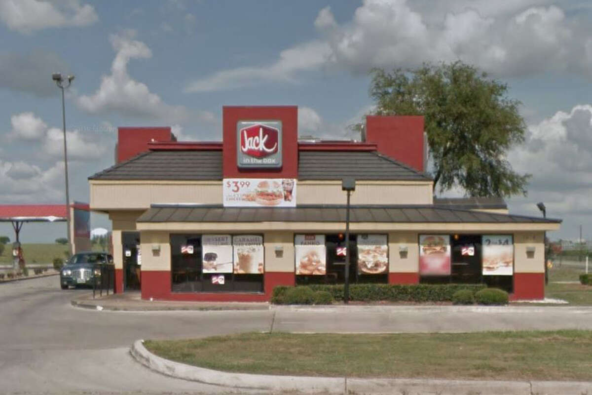 Jack In The Box #858: 1818 N. Foster Road, San Antonio, Texas 78244Date: 02/20/2017 Score: 66Highlights: