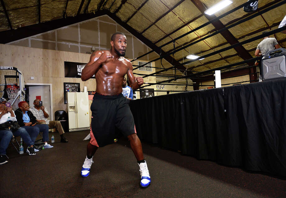 Quantis Graves trains at Beaumont Boxing on Tuesday. Graves will fight Floyd Mayweather's Andrew Tabiti for a Cruiserweight Championship on Friday. The fight will be televised on Showtime.  Photo taken Tuesday, February 23, 2017 Guiseppe Barranco/The Enterprise Photo: Guiseppe Barranco, Photo Editor