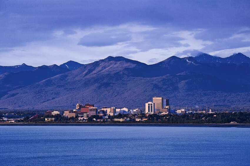 LEAST GROWTH Alaska0 - 40 percent increase in millionaires from 2010 - 2015Source: Empirecenter.org