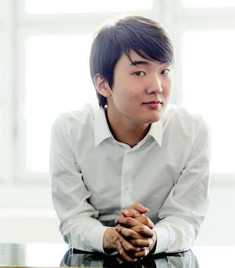 Pianist Seong-Jin Cho Photo: Harald Hoffmann