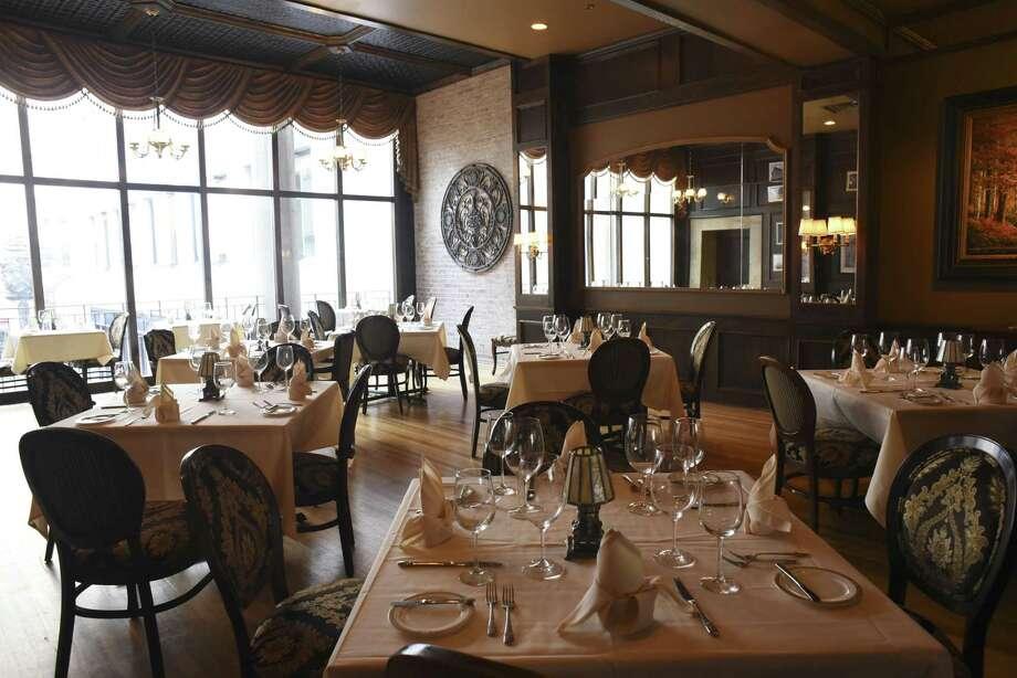 19. Bohanan's Prime Steaks and Seafood Gross alcohol sales: $235,687 Photo: Billy Calzada /San Antonio Express-News / San Antonio Express-News