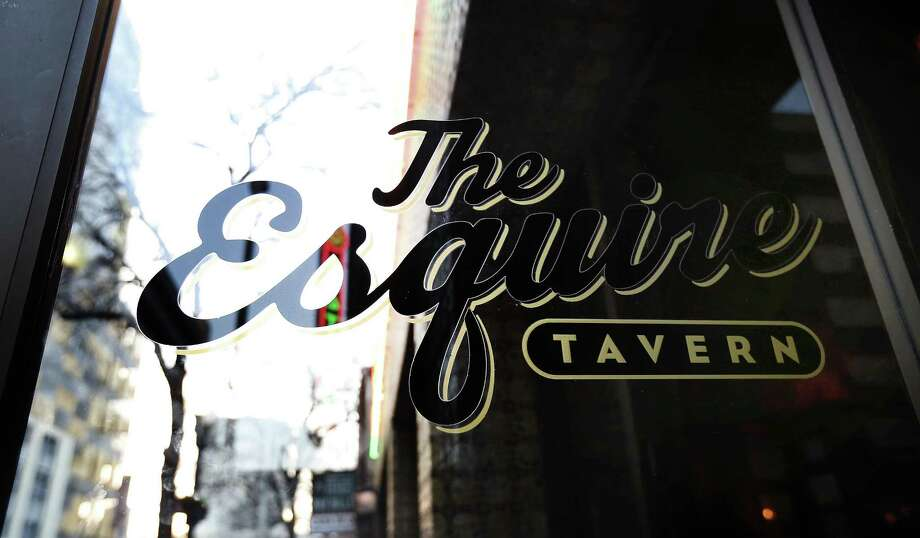 The Esquire Tavern Photo: Kin Man Hui /San Antonio Express-News / ©2017 San Antonio Express-News