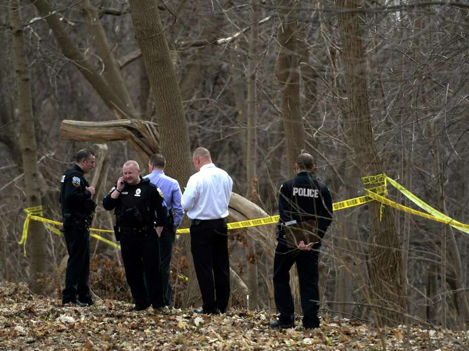 Schenectady Police investigate the finding of a body in a treed area south of Wyllie Street Friday  Feb. 24, 2017 in Schenectady, N.Y.  (Skip Dickstein/Times Union) Photo: SKIP DICKSTEIN
