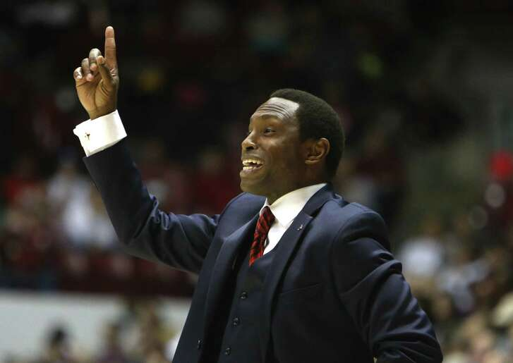 Alabama head coach Avery Johnson suggests to an official to watch the in house replay to see his player did not commit a foul against LSU in Coleman Coliseum in Tuscaloosa, Ala., Saturday, Feb. 18, 2027. Alabama defeated LSU 90-72. (Gary Cosby Jr.,/The Tuscaloosa News via AP)