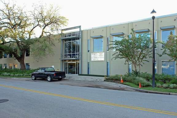 Davis Holdings has purchased a 33,000-square-foot office building at 1500 McGowen in Midtown from Skyland Lodge Tract.