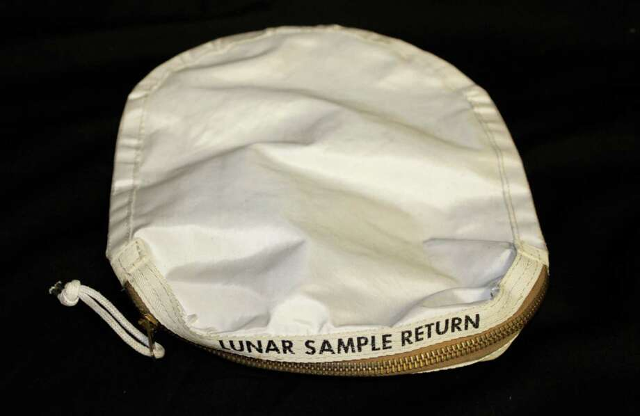 This sample bag carried lunar rocks during the 1969 moon landing. Nancy Lee Carlson bought it in an online auction in 2015. Photo: Courtesy Of Christopher McHugh, Attorney For Nancy Carlson / courtesy of Christopher McHugh, attorney for Nancy Carlson