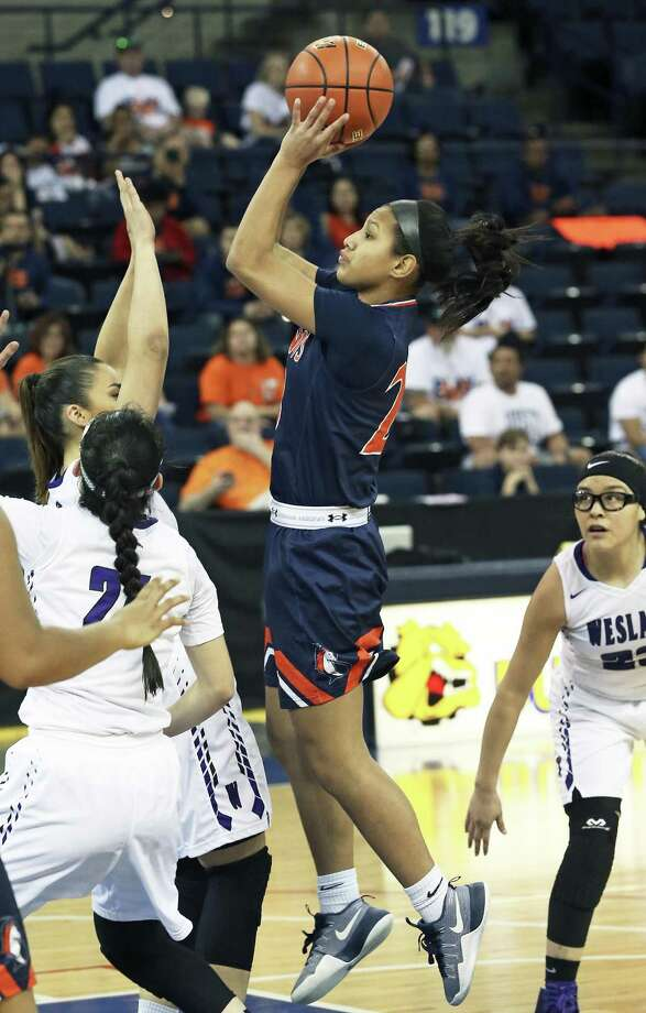 Brandies sophomore guard Arriana Villa averaged 19 points and 8 rebounds as the Broncos opened District 28-6A play with victories against Stevens and Taft. For her efforts she was named our Player of the Week. Photo: Tom Reel /San Antonio Express-News / 2017 SAN ANTONIO EXPRESS-NEWS