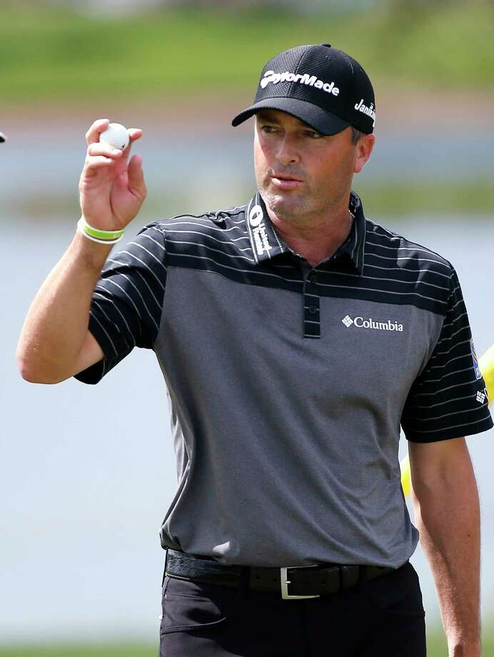 Ryan Palmer acknowledges the crowd as he finishes the second round of the Honda Classic golf tournament, Friday, Feb. 24, 2017, in Palm Beach Gardens, Fla. (AP Photo/Wilfredo Lee) ORG XMIT: FLWL105 Photo: Wilfredo Lee / Copyright 2017 The Associated Press. All rights reserved.
