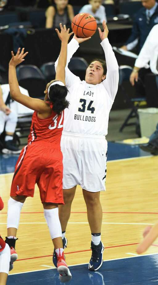 Yuliana Zamora recorded team highs of 16 points and 12 rebounds for a double-double Saturday in Alexander's 66-42 win at Corpus Christi Carroll. Photo: Danny Zaragoza /Laredo Morning Times File / Laredo Morning Times