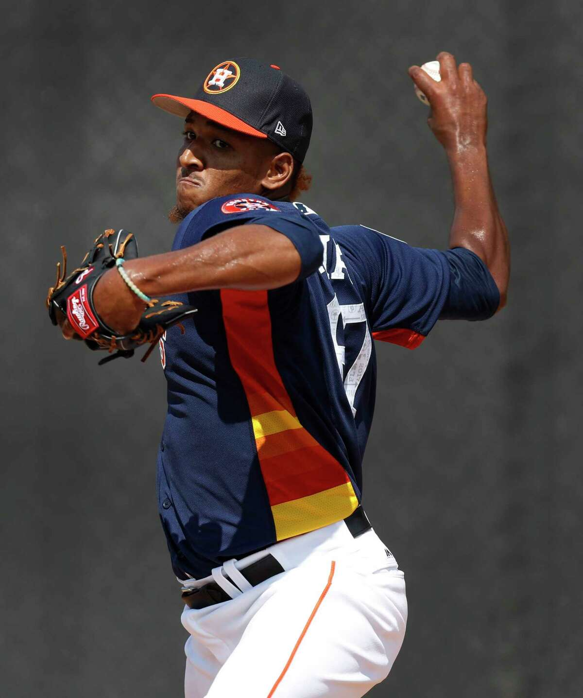 Houston Astros relief pitcher Edison Frias (67) pitches as the Astros pitchers and catchers held their first workout of spring training at The Ballpark of the Palm Beaches, in West Palm Beach, Florida, Tuesday, February 14, 2017.