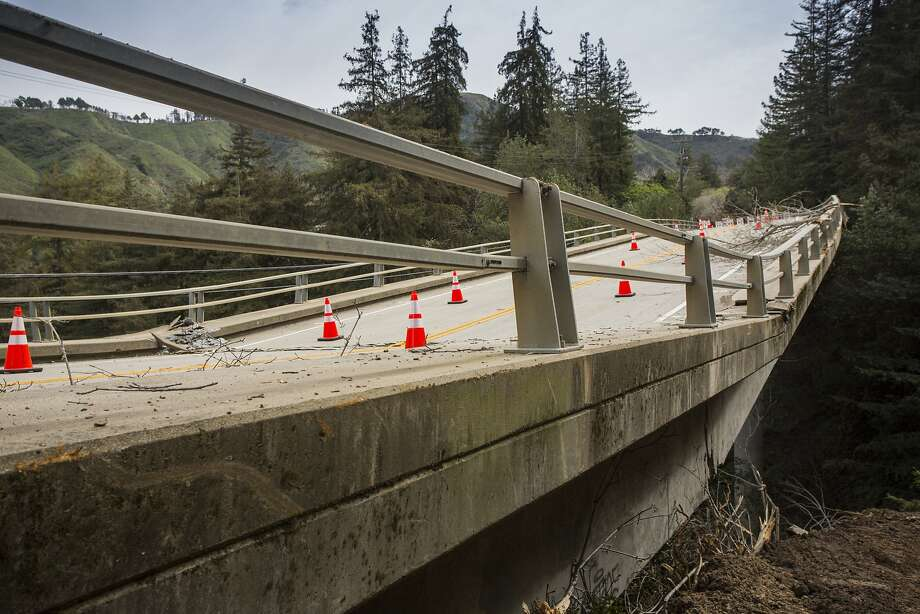 Big Sur Calif, Pfieffer Canyon Bridge, is closed as it begins to fail, and possible collapse. Feb 24th, Highway 1, Big Sur Calif. Photo: Kodiak Greenwood