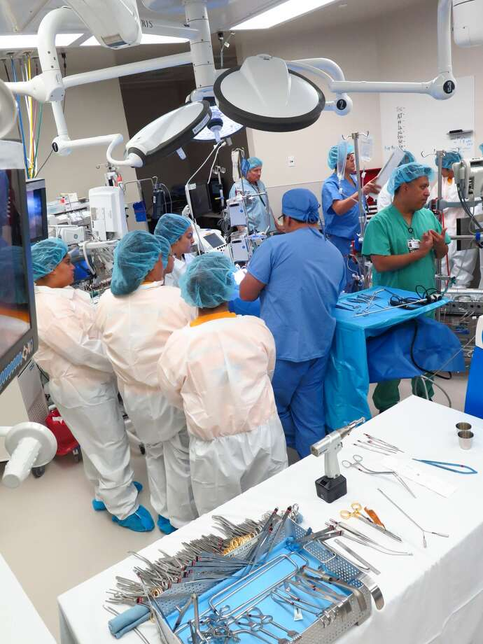 Members of the Cardiovascular Operating Team at Doctors Hospital hosted an open house for students and the public to tour the Open Heart Operating Room, Saturday, February 25, 2017. Photo: Cuate Santos