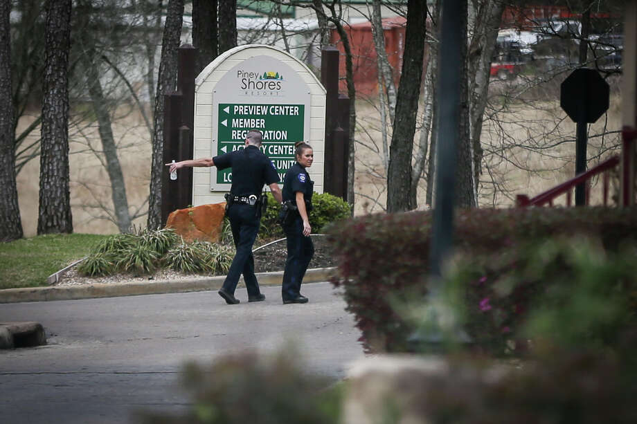 Conroe police detectives are investigating a homicide on Sunday, Feb. 26, 2017, at Piney Shores Resort off of Lake Conroe. Photo: Michael Minasi/Houston Chronicle
