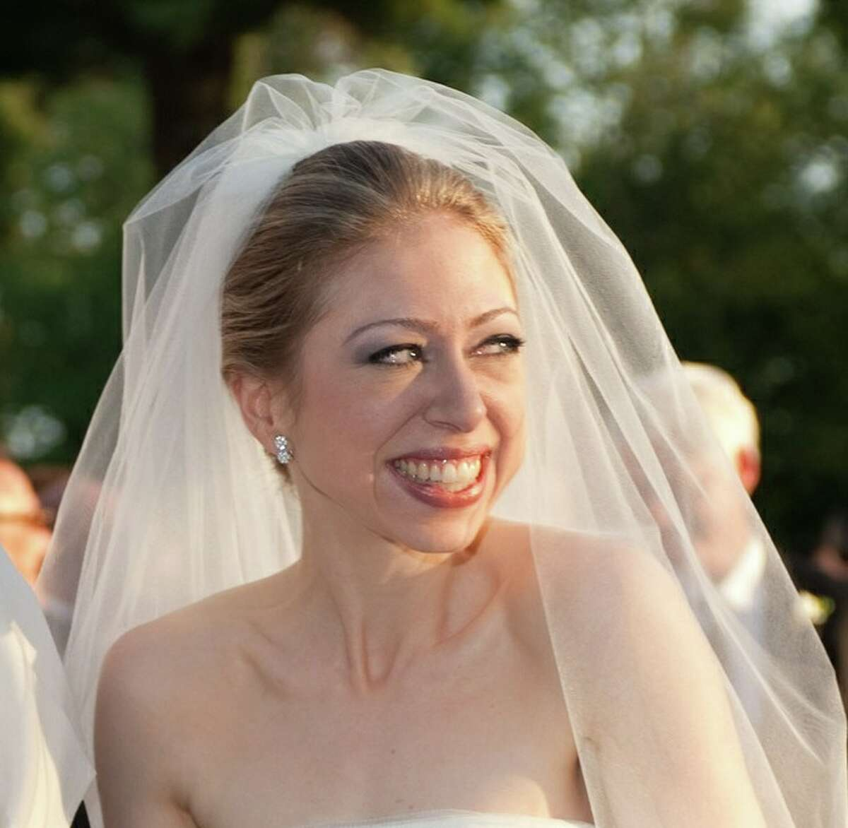 Chelsea Clinton, daughter of former US president Bill Clinton, is pictured during her marriage ceremony with Marc Mezvinsky on July 31, 2010 in Rhinebeck, New Yotk. Chelsea Clinton married her longtime boyfriend Marc Mezvinsky, ending weeks of secretive build-up about the former first daughter's wedding.