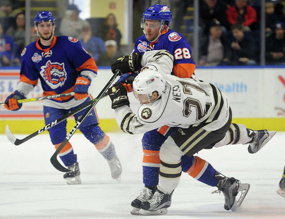Bridgeport Sound Tigers v. Hershey Bears AHL hockey at the Webster Bank Arena in Bridgeport, Conn. on Sunday, February 26, 2017. Photo: Brian A. Pounds, Hearst Connecticut Media / Connecticut Post