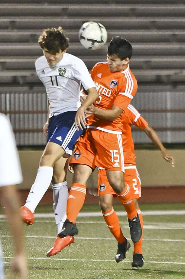 United clinched an outright district title with a 1-1 draw against rival Alexander in the regular-season finale. Photo: Danny Zaragoza /Laredo Morning Times File / LAREDO MORNING TIMES