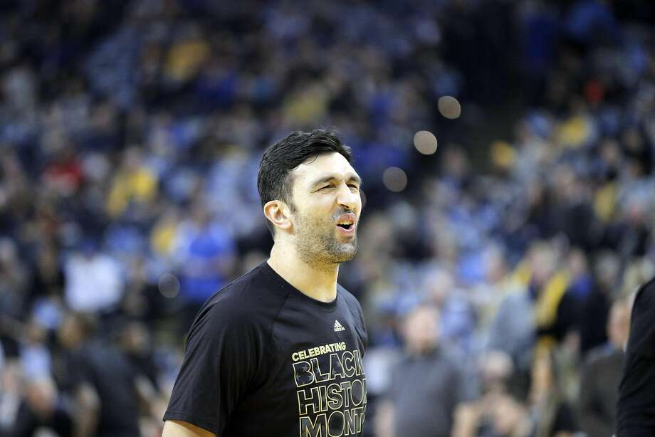 Zaza Pachulia (27) reacts to missing a shot during warmups before the Golden State Warriors played the Los Angeles Clippers at Oracle Arena in Oakland, Calif., on Thursday, February 23, 2017. Photo: Carlos Avila Gonzalez, The Chronicle
