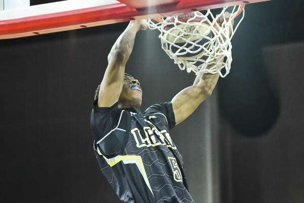 Stevan Harris scored 10 points at the Swarm won their sixth straight at home.