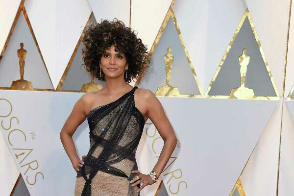 Halle Berry in Versace with $100,000 of Foevermark jewelry