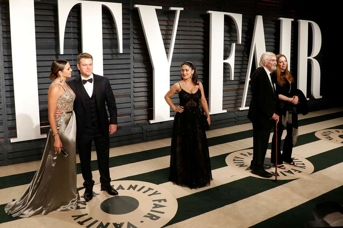Luciana Damon, Matt Damon, Salma Hayek, Martin Landau, and date attend the 2017 Vanity Fair Oscar Party at Wallis Annenberg Center for the Performing Arts on February 26, 2017 in Beverly Hills, California.