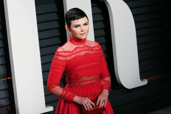 Actress Ginnifer Goodwin attends the 2017 Vanity Fair Oscar Party hosted by Graydon Carter at the Wallis Annenberg Center for the Performing Arts on February 26, 2017 in Beverly Hills, California.