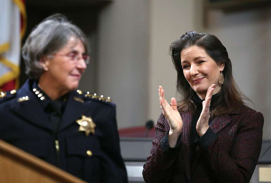 Oakland Mayor Libby Schaaf applauds after then-Police Chief Anne Kirkpatrick spoke at Oakland City Hall in February 2017. Photo: Liz Hafalia / The Chronicle 2017