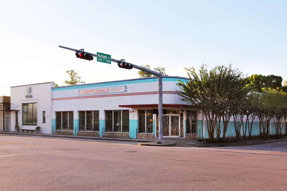 Braun Enterprises will transform the former Chippendale's Antiques store on 19th Street at Rutland in the Heights into a multitenant space. Proper Shoes has leased 1,963 square feet and Mary & Moss has leased 1,147 square feet for a women's clothing a gift boutique. Negotiations are under way to bring a dessert shop to the corner space. Photo: Braun Enterprises