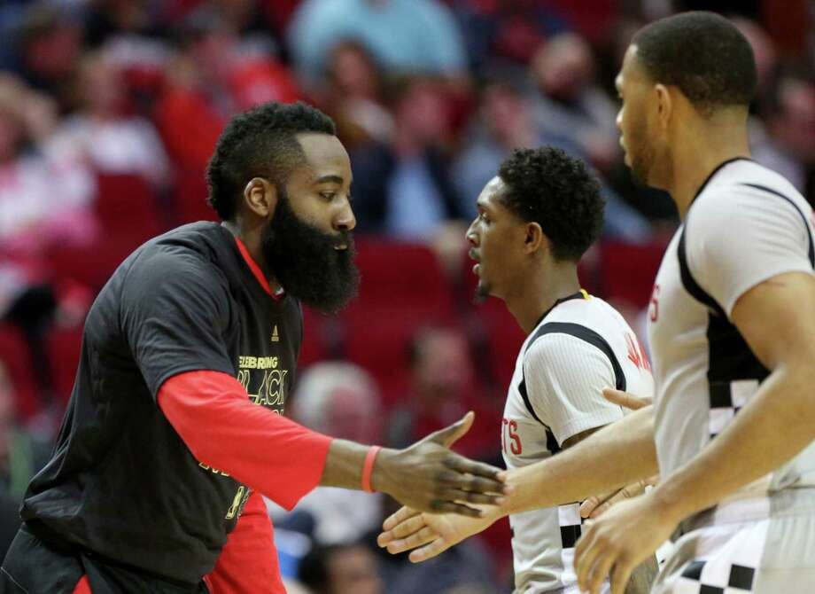 Houston Rockets guard James Harden (13) cheers with Lou Williams (12) and Eric Gordon (10) during the second half of the game at Toyota Center Saturday, Feb. 25, 2017, in Houston. ( Yi-Chin Lee / Houston Chronicle ) Photo: Yi-Chin Lee, Staff / © 2017  Houston Chronicle