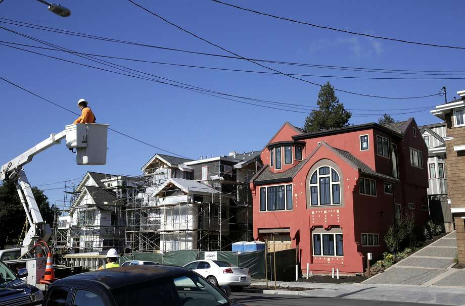 New construction of mock-historic homes along the 4400 block of Howe St. in Oakland, Ca. on Monday February 27, 2017. Photo: Michael Macor, The Chronicle